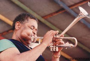 Le trompettiste Dizzy Dillespie en 1983 à la Grande Parade de Nice (Photo Nicole Videmann)