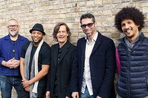 Les musiciens du groupe Blanco y Negro