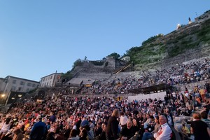 Echo#1-Jazz à Vienne 2021, les gradins du Théâtre Antique de Vienne